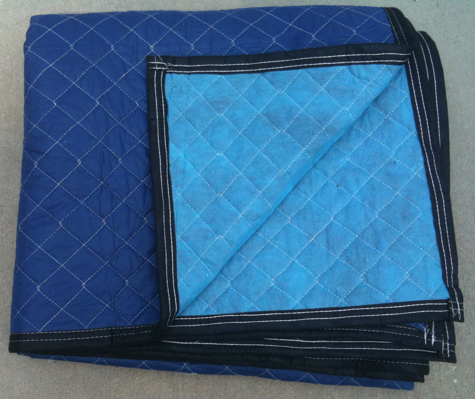 Moving Pads, Furniture Moving Pads, Mover Van Pads, Storage Pads, Moving  Blankets, Furniture Blankets, Furniture Pads, Machine Quilted Dog, ...